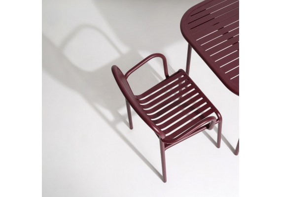 Week-end chair with armrests