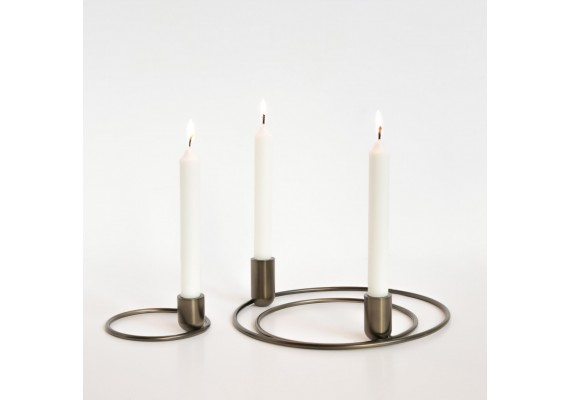 Orbital candle holder set